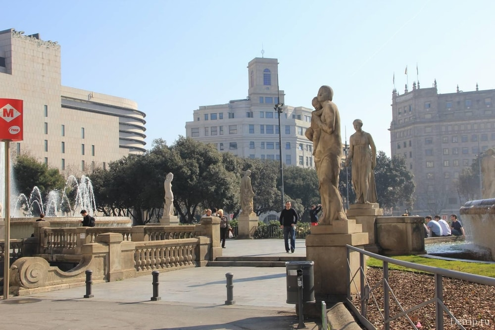 Скульптуры на Plaça de Catalunya