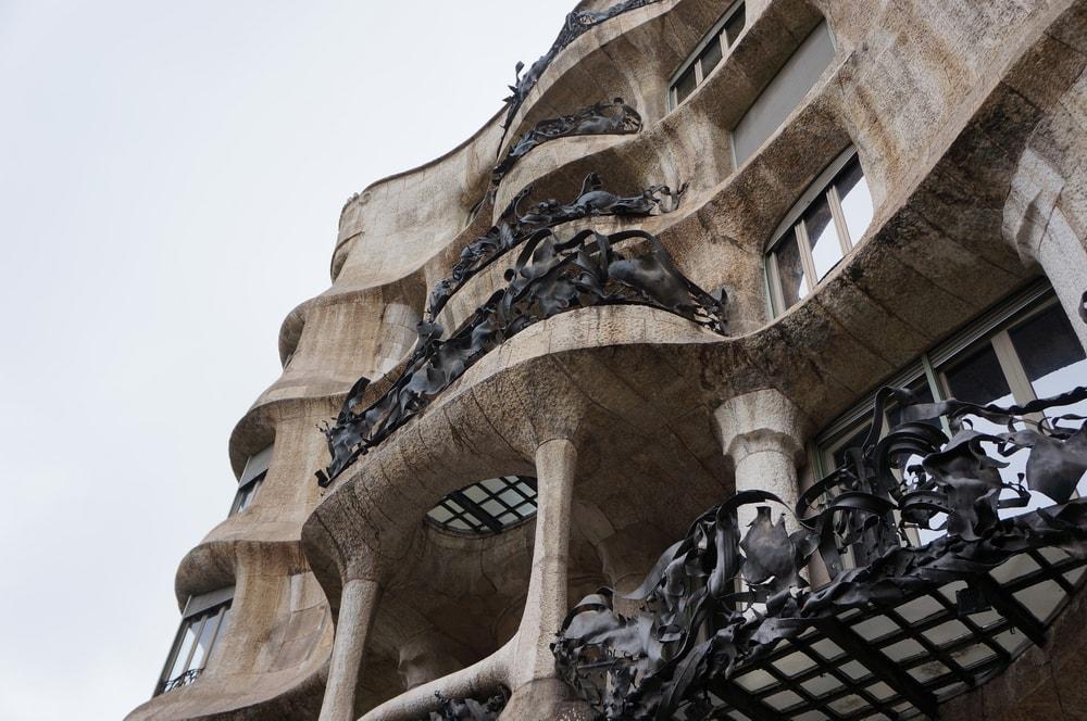 Решетки балконов