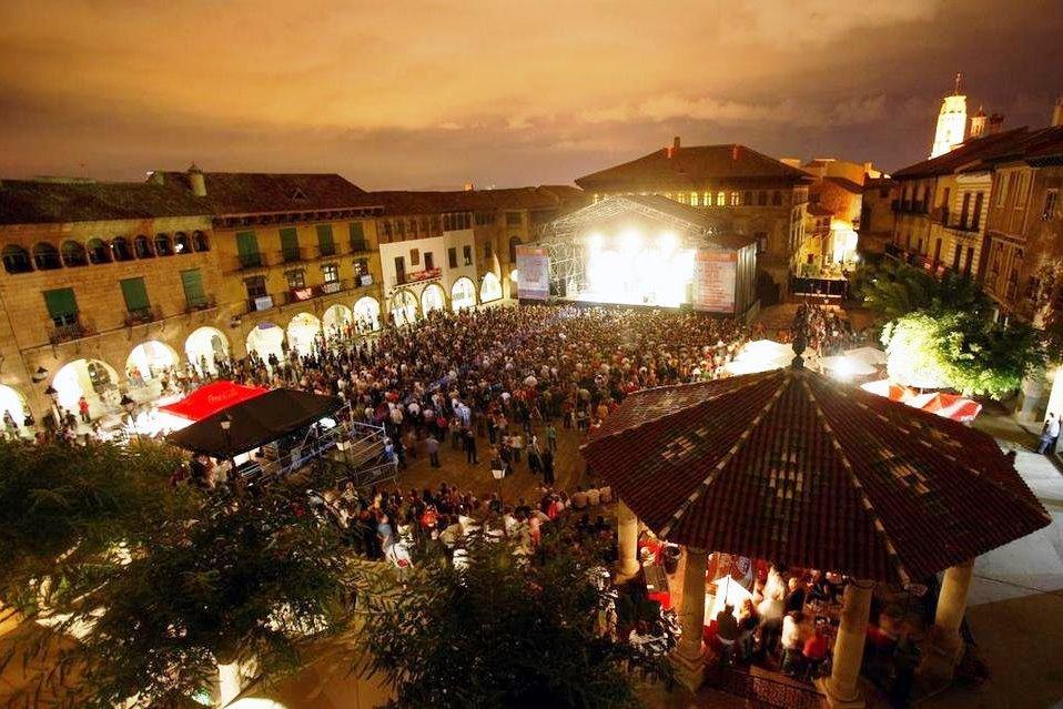 Празднование в испанской деревне