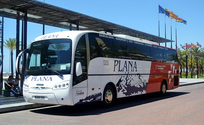 Автобус Plana