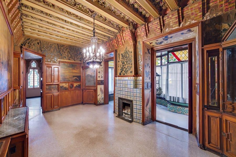 Внутри дома Висенс
