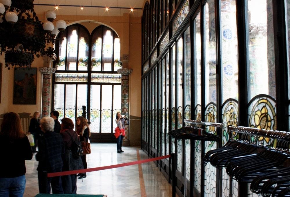 Экскурсия во дворце музыки