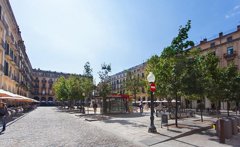 Площадь Castanyes