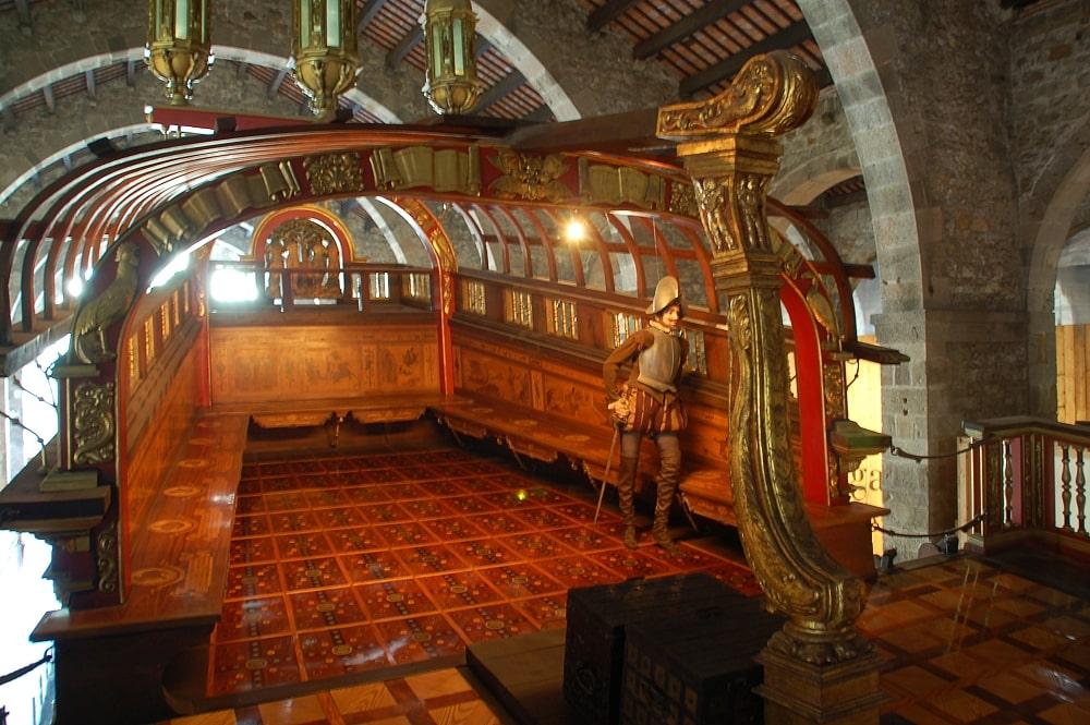 Внутри корабля