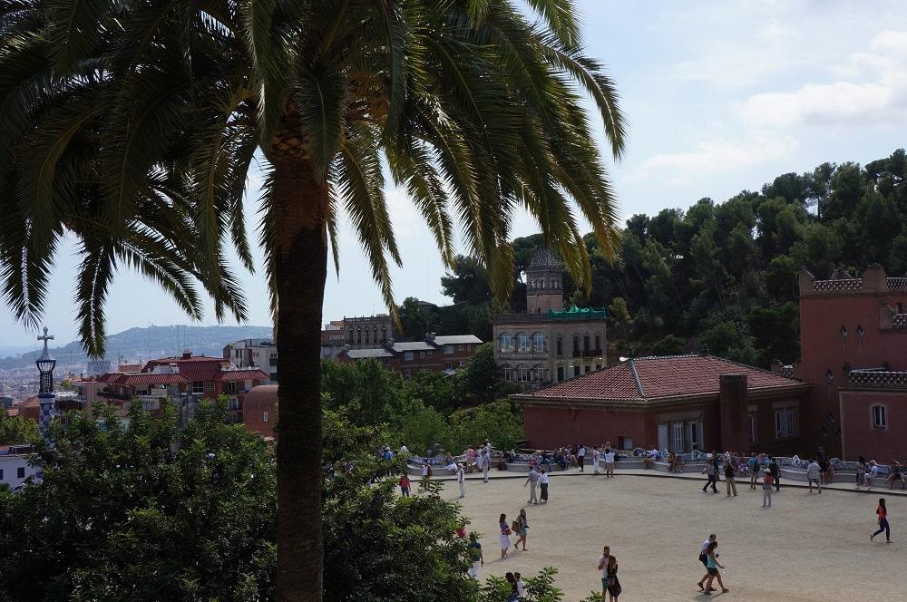 Местность возле парка Гуэля