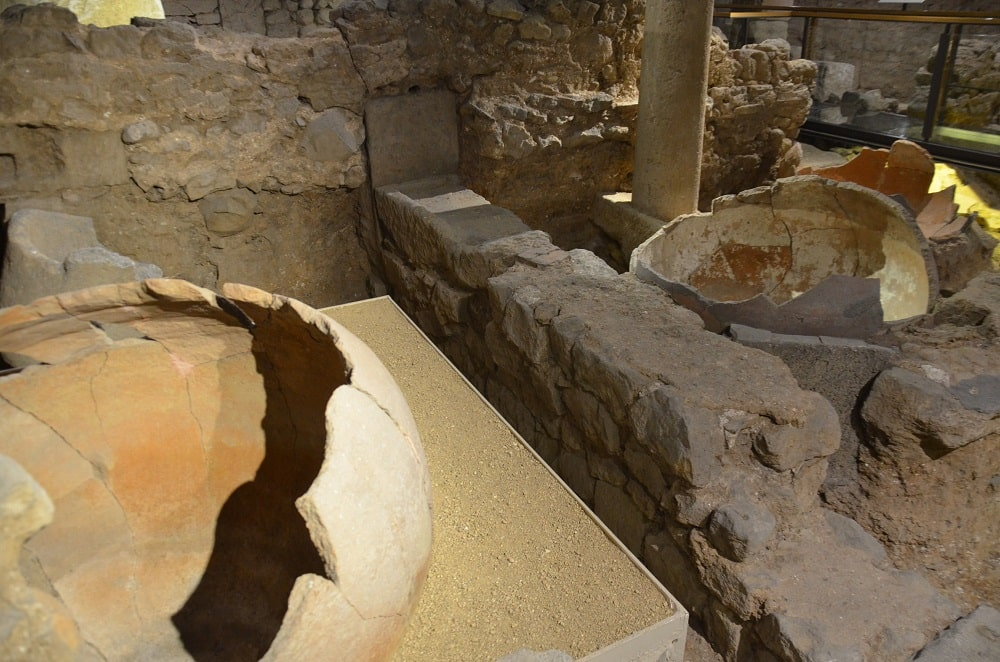 Руины древних поселений