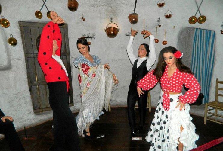 Экспонаты изображают Фламенко