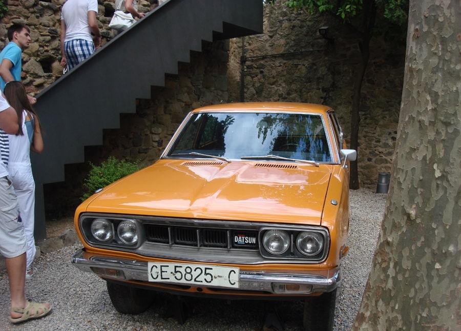 Datsun апельсинового цвета