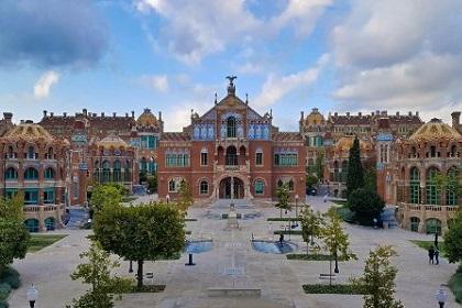 Госпиталь Сан-Пау в Барселоне